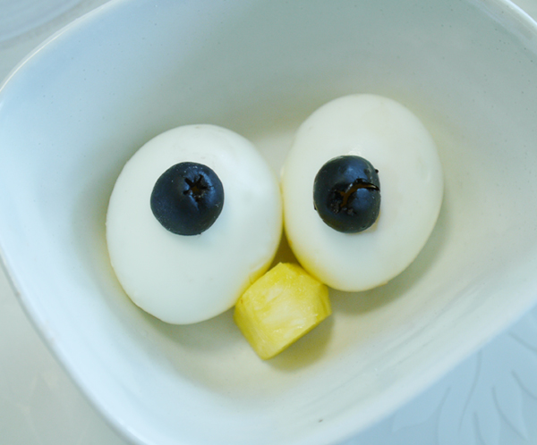 egg-eyeballs-halloween-recipe