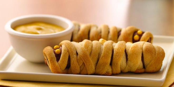 pilsbury-mummy-hotdog-halloween-recipes