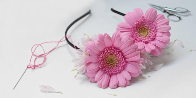 diy comment faire une couronne de fleurs. Black Bedroom Furniture Sets. Home Design Ideas