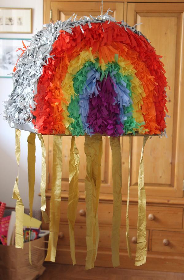 pinata-rainbow