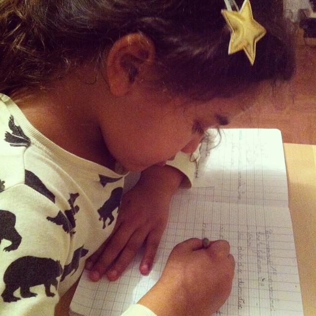 1ères séances d'écriture... #maplussipetite #devoirs #CP