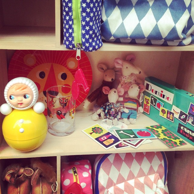 On the discovery of the best kids shops in Barcelona... #kmfamily #barcelona #kidsshops #instakids #xmasgifts