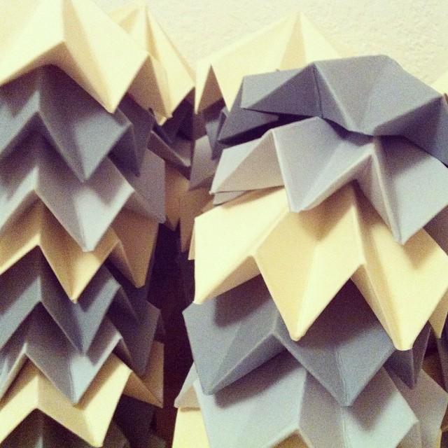 Happy Wednesday Morning! #adventcalendar #workinprogress #origami #mylittleday #j-5 #calendrierdelavent #noel #xmas
