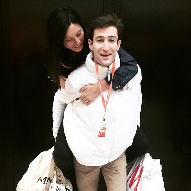 Shopping les soldes... massage, le kinder des mamans, no stress ! Shopping the sales with no stress! Plus d'info sur yoyo-mom.com #KinderCountry #coupdepouce #soldes #maman #latergram merci les amis !