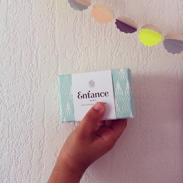 Retrouvez la toute nouvelle marque de savons @enfance_paris chez @lemarchanddetoiles ! #sentbon #jolipaquet #tousaubain #bio #madeinfrance
