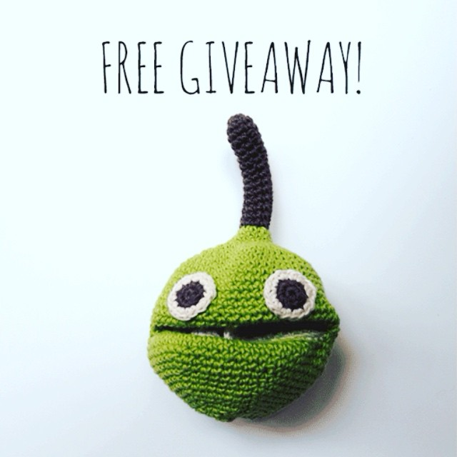 We are celebrating Spring with a MyuM Free Giveaway !!! Enter to win your choice of adorable organic cotton handmade fruit or veggie! All details at yoyo-mom.com ???? #spring #printemps #giveaway #veggies #fruits #kids #myum @hellomyum  #toys #kidsfashion #rattle #baby #apple