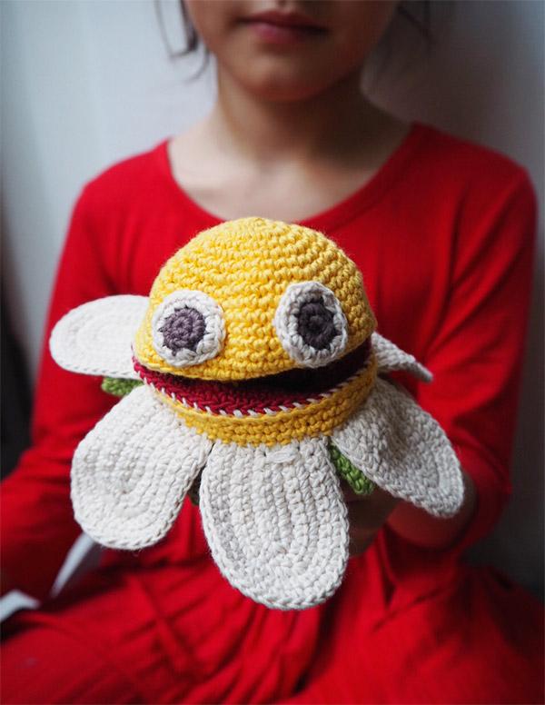 myum-handmade-toy-flower