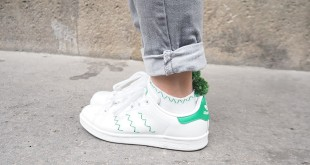 DIY Pompom ankle socks