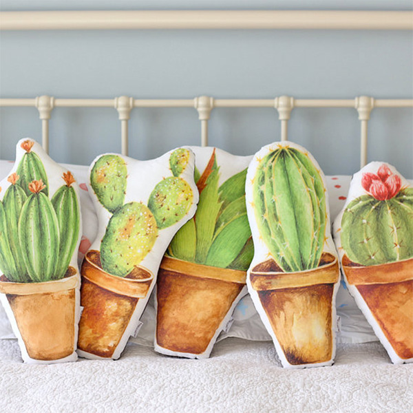 the-fox-in-the-attic-cactus-cushion