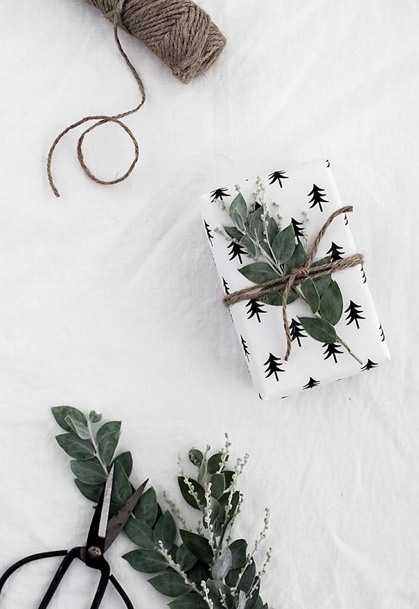 free-printable-christmas-tree-wrapping
