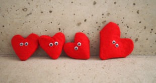 DIY-Heart-Pockets