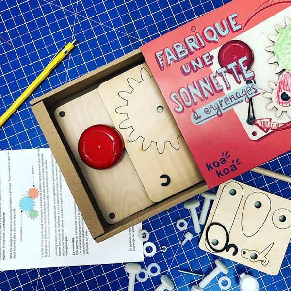 Koa Koa Fabrique une sonnette de porte à manivelle