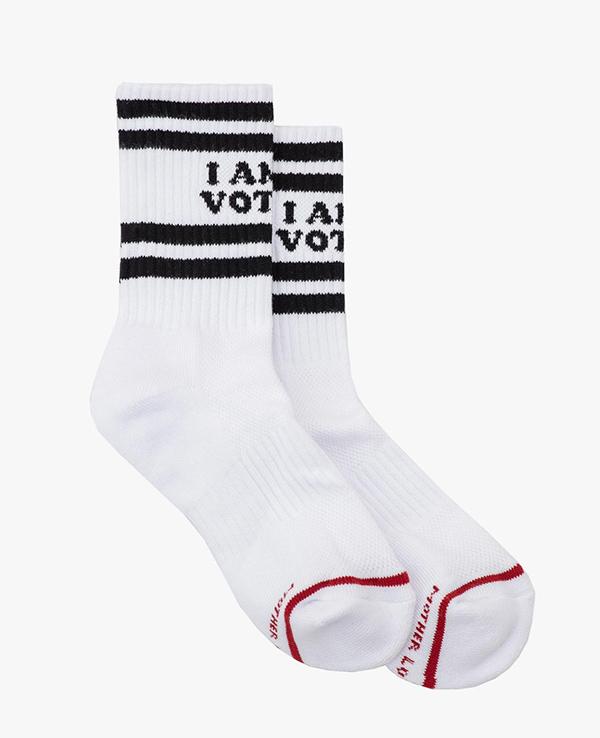 MOTHER X I AM A VOTER. socks
